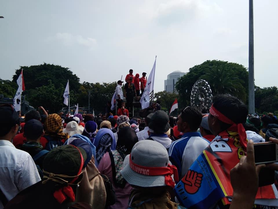 3 Hari Kepung Istana Honorer Tertunduk Lesu